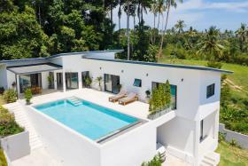 Image No.0-Villa de 4 chambres à vendre à Maenam