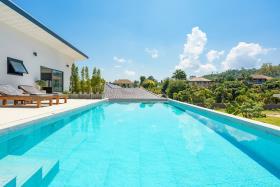 Image No.3-Villa de 4 chambres à vendre à Maenam