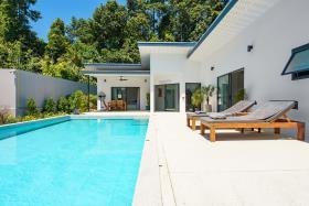 Image No.2-Villa de 4 chambres à vendre à Maenam
