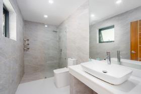 Image No.20-Villa de 4 chambres à vendre à Maenam
