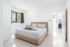 Image No.21-Villa de 4 chambres à vendre à Maenam
