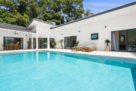 Image No.1-Villa de 4 chambres à vendre à Maenam
