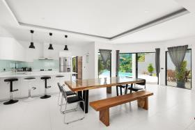 Image No.6-Villa de 4 chambres à vendre à Maenam