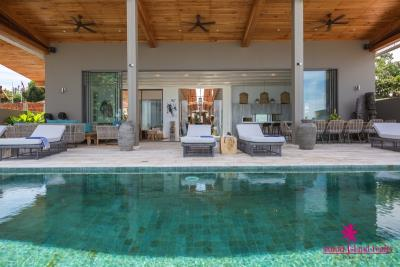pavana-beachfront-villa-koh-samui-looking-into-the-villa