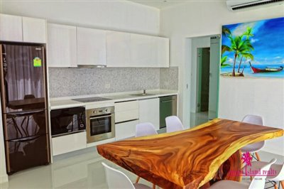 2-chaweng-modern-sea-view-villa-for-sale-kitchen-dining