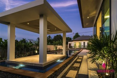 3-luxury-balinese-style-pool-villas-for-sale-sala
