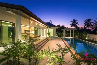 7-luxury-balinese-style-pool-villas-for-sale-pool-terrace