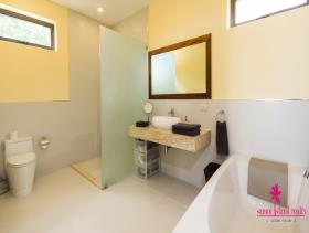 Image No.12-Maison / Villa de 3 chambres à vendre à Maenam