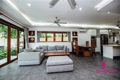 Chaweng-3-Bedroom-Pool-Villa-Samui-Sofa
