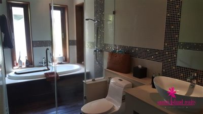 Baan-Tai-Pool-Villa-Samui-Bathroom