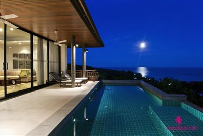baan-saitara-villas-for-sale-koh-samui-pool-night