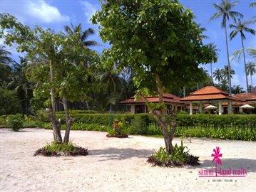 Baan-Tawan-Chai-Beachfront-Villa-Samui-Sandy-Beach