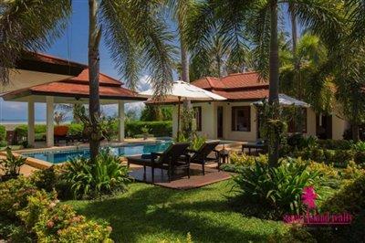 Baan-Tawan-Chai-Beachfront-Villa-Samui-Garden