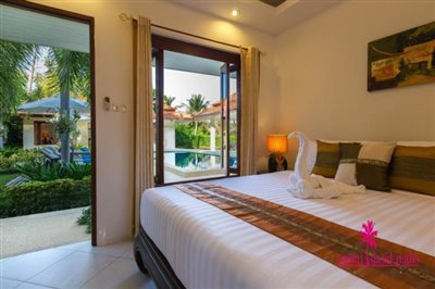 Baan-Tawan-Chai-Beachfront-Villa-Samui-Bedroom-2