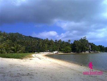 Baan-Tawan-Chai-Beachfront-Villa-Samui-Beach