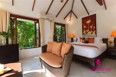 Baan-Tawan-Chai-Beachfront-Villa-Samui-Bedroom