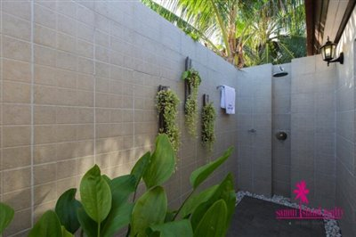 Baan-Tawan-Chai-Beachfront-Villa-Samui-Outdoor-Shower
