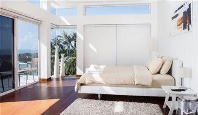 Contemporary-Luxury-Sea-View-Villa-Ko-Samui-Bedroom