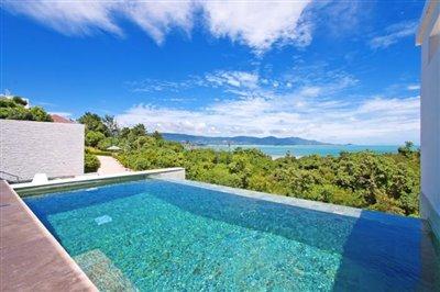 Contemporary-Luxury-Living-Ko-Samui-Infinity-Pool