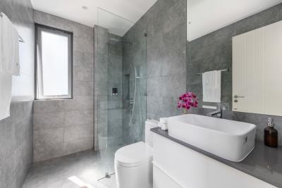 Ocean-Vista-Villas-Ko-Samui-Shower