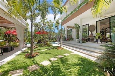 Beachside-Pool-Villa-For-Sale-Koh-Samui-Landscaped-Garden