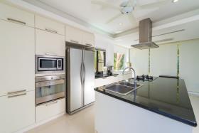 Image No.9-Maison / Villa de 4 chambres à vendre à Lipa Noi