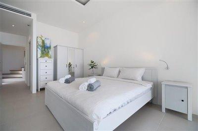 Unique-Pool-Villa-For-Sale-Ko-Samui-Bedroom