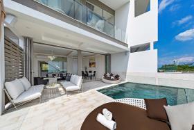 Image No.0-Maison / Villa de 4 chambres à vendre à Choeng Mon