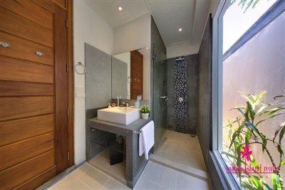 lipa-noi-private-pool-villa-for-sale-koh-samui-shower