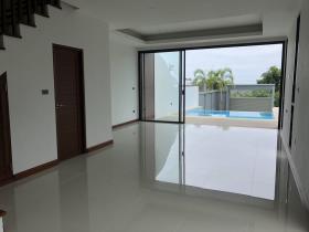 Image No.4-Maison / Villa de 2 chambres à vendre à Choeng Mon