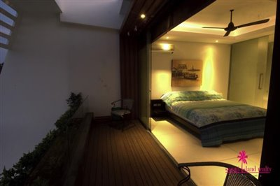 stunning-sea-view-villa-for-sale-chaweng-bedroom-balcony
