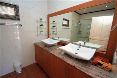 Villa-Palm-Beachside-Residence-Ko-Samui-Bathroom