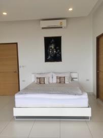 Chaweng-Hills-Villa-For-Sale-Bedroom-4