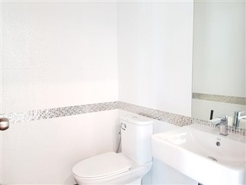 Ko-Samui-Property-For-Sale-Lamai-Bathroom