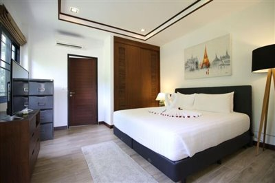 Chaweng-Noi-Tropical-Paradise-Villa-Bedroom-2