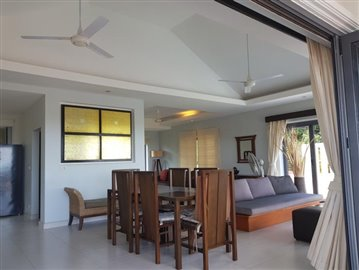 Plai-Laem-Sea-View-Pool-Villa-For-Sale-Dining