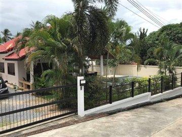 Private-Garden-Villa-For-Sale-In-Bang-Rak-Samui-1