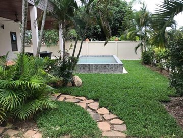 Private-Garden-Villa-For-Sale-In-Bang-Rak-Samui-Swimming-Pool