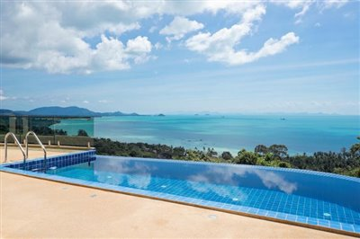 Laem-Yai-Sea-View-Villa-Samui-Pool