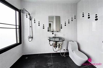 samui-bophut-sea-view-villa-for-sale-toilet