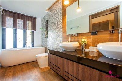 verano-villa-for-sale-koh-samui-bathroom