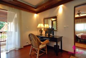 Image No.10-Maison / Villa de 4 chambres à vendre à Hua Thanon