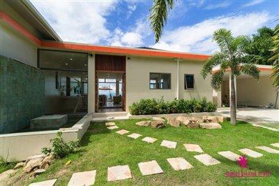bophut-5-bedroom-sea-view-villa-for-sale-entrance