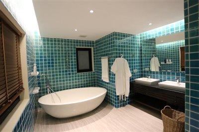 Sea-View-Property-For-Sale-Samui-Master-Bathroom