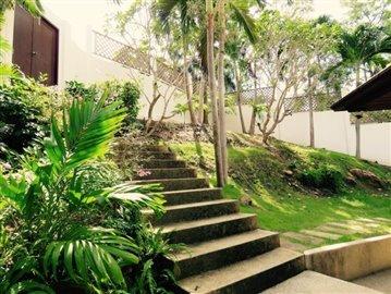 ko-samui-sea-view-villa-for-sale-garden