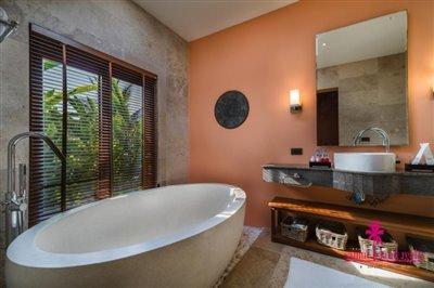 baan-vana-koh-samui-bathtub