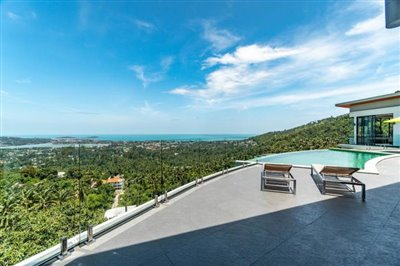 Modern-Villa-On-Chaweng-Hills-For-Sale-Terrace