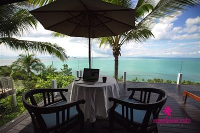 InterContinental-Villa-For-Sale-At-Koh-Samui-Outdoor-Table