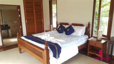 Bophut-Hills-Villa-Ko-Samui-Bedroom-2