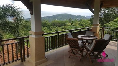 Bophut-Hills-Villa-Ko-Samui-Bedroom-Balcony